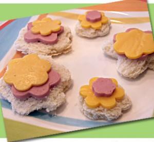 Cute flower snack sandwiches
