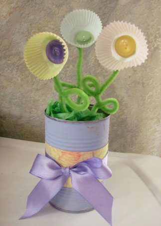 Mothers  Craft Ideas on Mother S Day Flowers And Vase With Cupcake Liners Craft