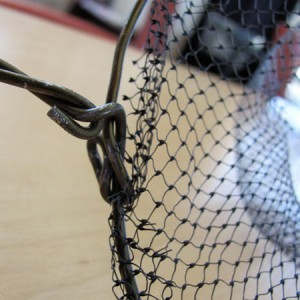 use wire hanger to make home made net