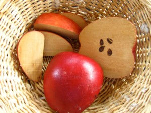 Counting apples activity for preschoolers