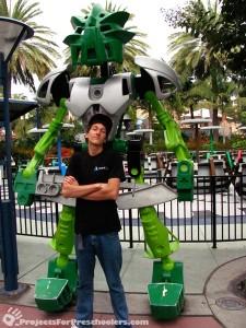 LEGOLAND California giant bionical
