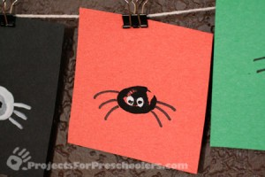Make a thumbprint spider