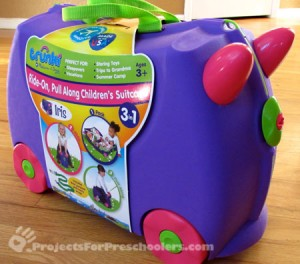 Iris Trunki toy by Melissa and Doug