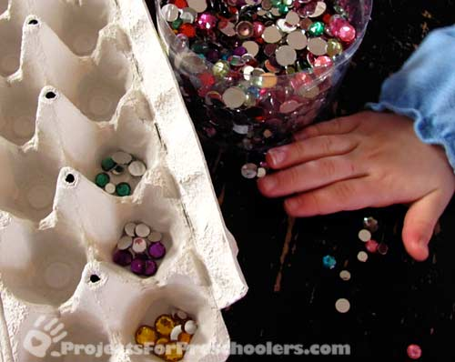 Sorting gems for Mardi Gras mask