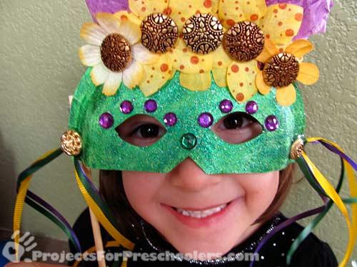Mardi Gras mask in green