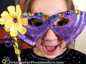Mardi Gras Mask from a paper plate