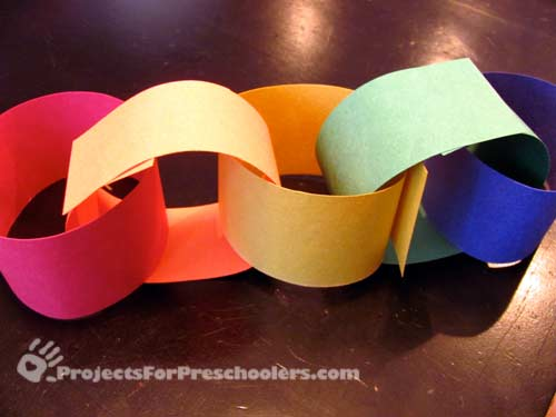 Make a rainbow paper chain