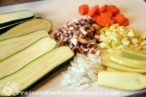 Vegetables to make zucchini boats