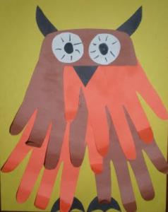 Fall owl handprint craft from EasyPreschoolCraft.blogspot.com