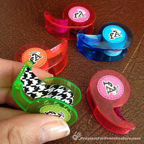 Mini decorative tape dispensers
